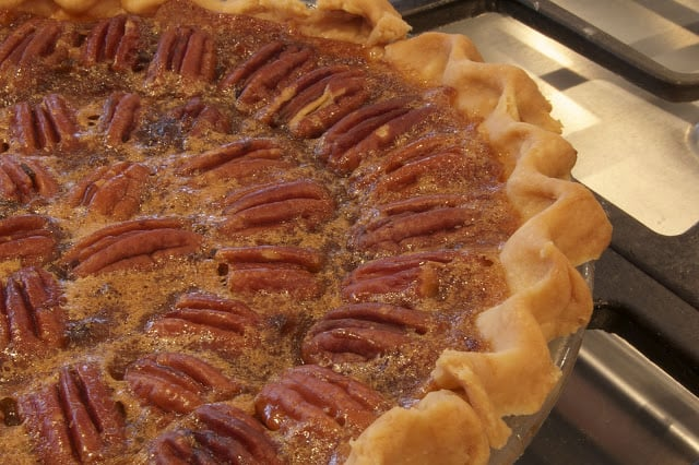 How to Make Old-Fashioned Pecan Pie
