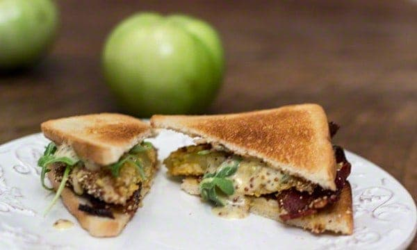 Fried Green Tomato BLT Sandwich #southernrecipes #friedgreentomatoes #sandwich #summerveggies