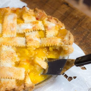 How to Make Peach Pie