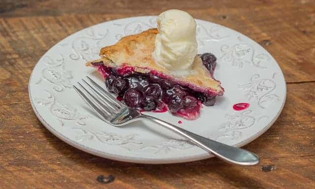 How To Make Homemade Blueberry Pie Recipe #summer #summerrecipe #blueberrypie #blueberries #blueberrypierecipe