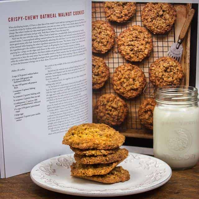 Crispy Chewy Oatmeal Walnut Cookies #backtoschool #cookies #oatmeal #crispy #chewy #walnut #Bosch
