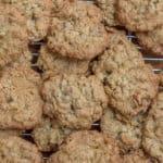 Crispy Chewy Oatmeal Walnut Cookies