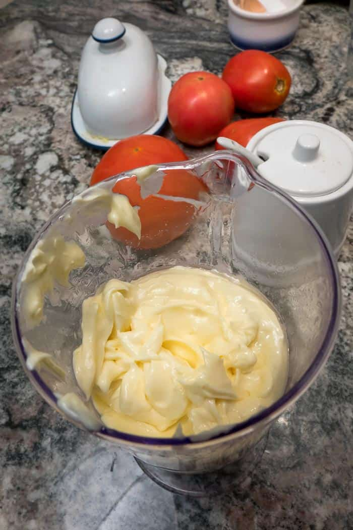How to Make Easy Homemade Mayonnaise