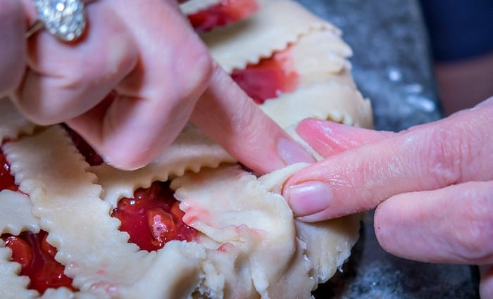 How to Make Flaky Homemade Pie Crust